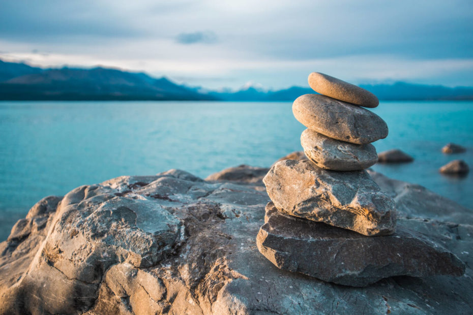 Tijd voor Mindfulness. Foto van stapel stenen